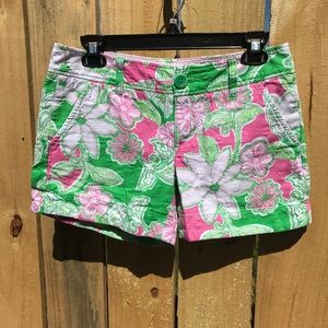Lilly Pulitzer green and pink floral shorts size 4